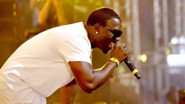 Akon sur scène, le 23 avril 2016 en Californie