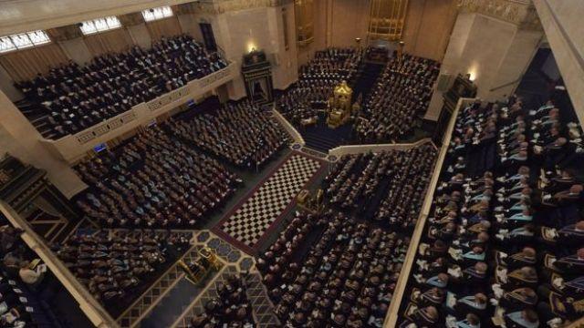 Reunión de la Gran Logia Unida de Inglaterra.