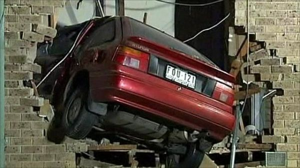 Crash pad: Car flies into house in Australia - BBC News