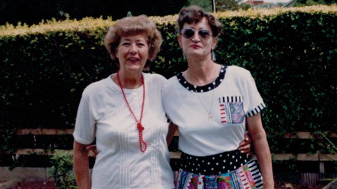 Pamela Smedley with her mother Betty in 1990