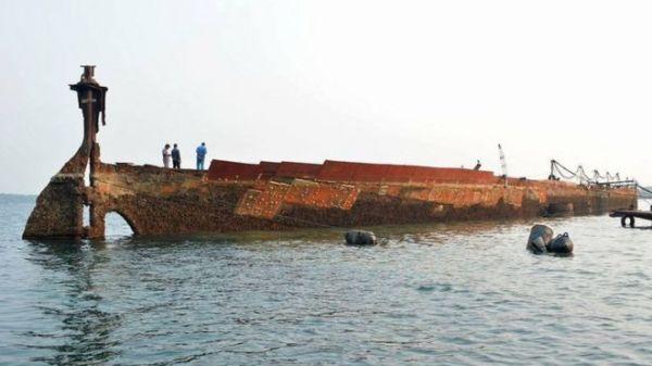 LankaWeb – SS Sagaing: WW2 shipwreck refloated by Sri ...