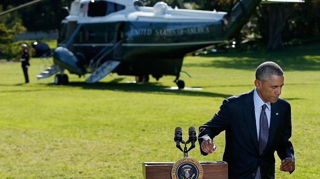 Obama leaves podum