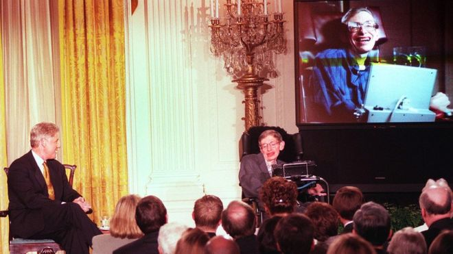 Bill Clinton and Stephen Hawking in 1998