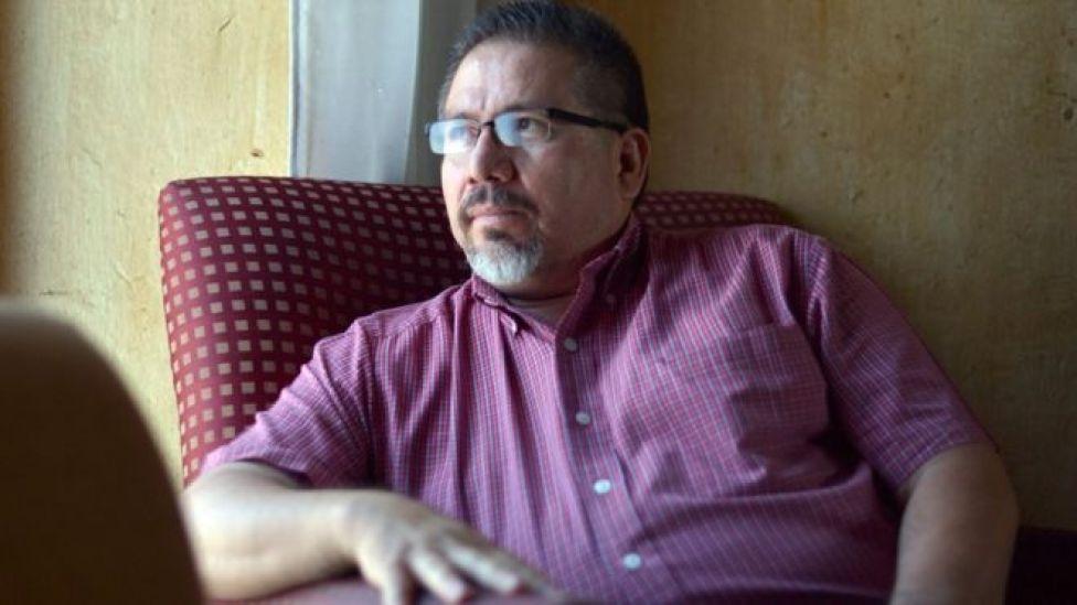 """""""El narco sometió al gobierno, sometió a los empresarios y está sometiendo a los periodistas"""": una de las últimas entrevistas de Javier Valdez, periodista mexicano asesinado"""
