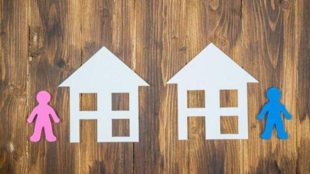 Casas y figuras de papel