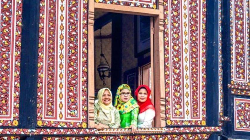 Minangkabau anaerkil kadınları