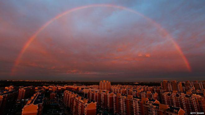 Imagini pentru Fire Rainbow Over Singapore
