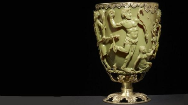 La copa de Licurgo, de color verde claro del mismo tono