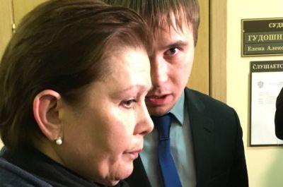 Ukrainian library head Natalia Sharina in court in Moscow (2 Nov)