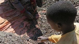 Le travail des enfants est courant dans les mines en RDC