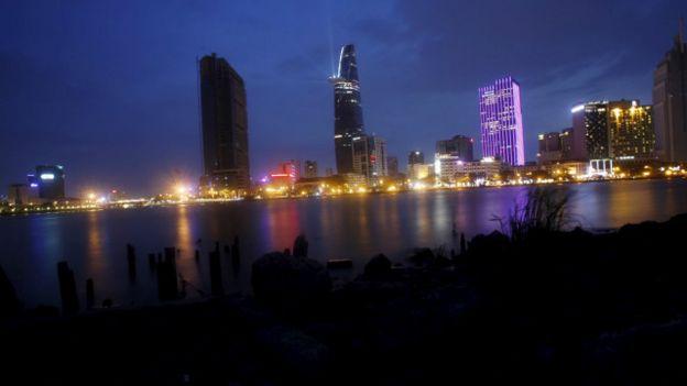 Thành phố Hồ Chí Minh về đêm, 2015