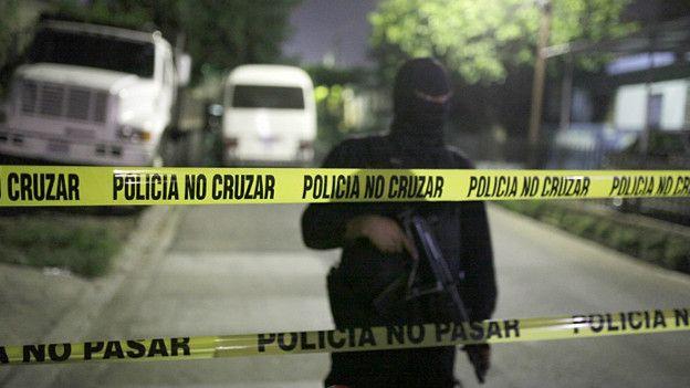 Policía de El Salvador