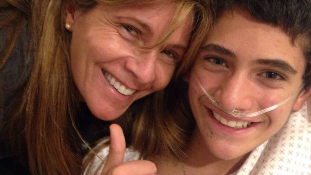 Cristóbal Gelfenstein y su madre Vivianne Perey