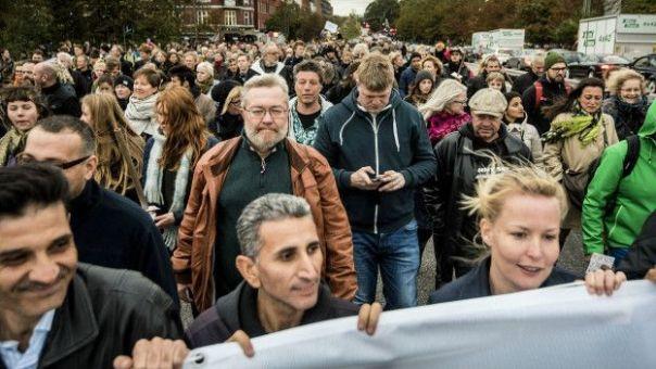 Manifestación de apoyo a los refugiados en Copenhague.