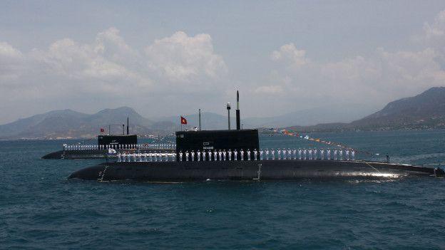 Submarinos de Vietnam vendidos por Rusia.