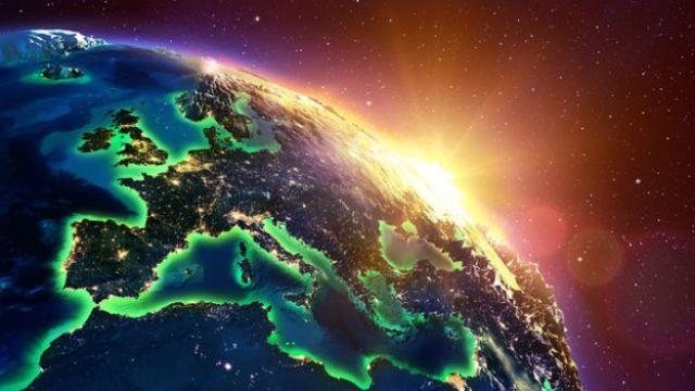 El Sol se asoma detrás de la Tierra