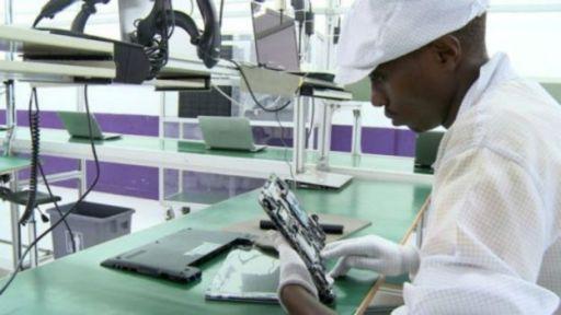 Une société argentine a mis en place cette usine de fabrication d'ordinateurs
