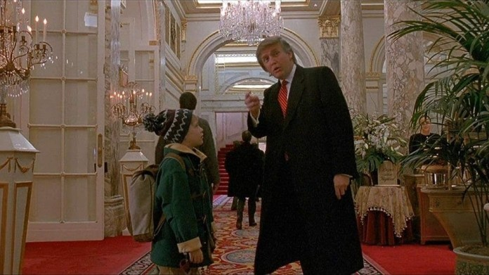"Donald Trump y Macaulay Culkin en ""Home Alone 2"""