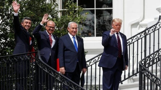UAE Foreign Minister Abdullah bin Zayed (left); Bahrain Foreign Minister Abdullatif Al Zayan (2nd left); Israeli Prime Minister Benjamin Netanyahu and US President Donald Trump at the White House (15/09/20)