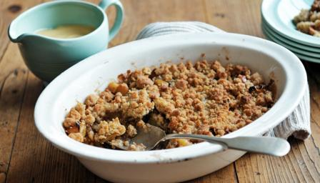 Apple crumble recipe - BBC Food