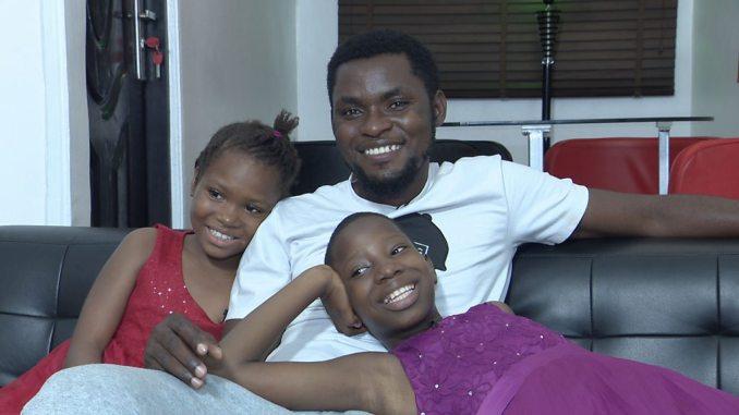 Mark Angel Comedy: 'Ime ihe ọchị anaghị egbochi Emmanuella ịgụ akwụkwọ' -  BBC News Ìgbò