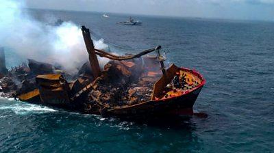 Sri Lanka: Chemical-filled X-Press Pearl ship threatens marine life and beaches #world #BBC_News