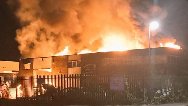 West Coast main line: Long delays after Harrow fire - image  on http://us-news.net