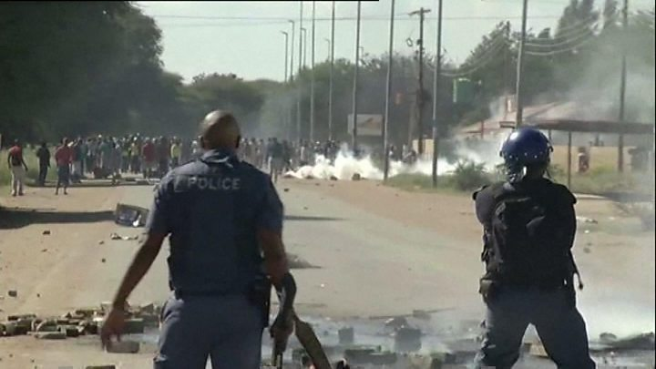 S African national govt to run strife-torn province