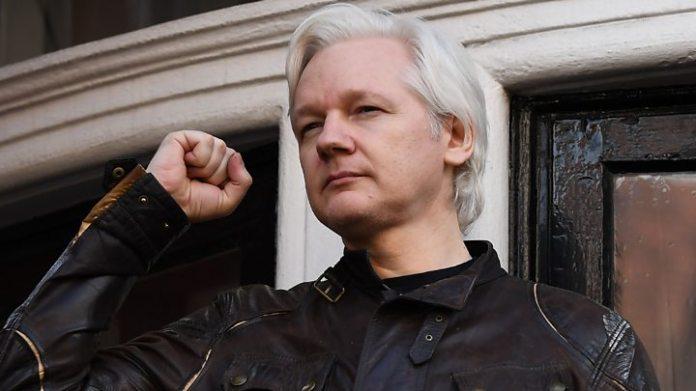 Julian Assange: Sweden to announce decision on rape case 1