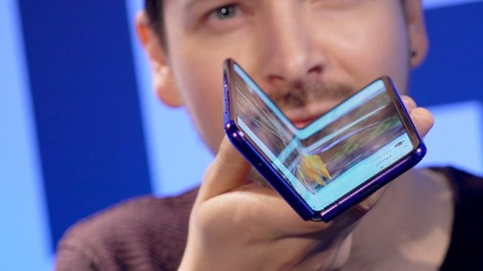 Samsung profits tumble as it warns of 'challenges' ahead - изображение  на https://muvison.com