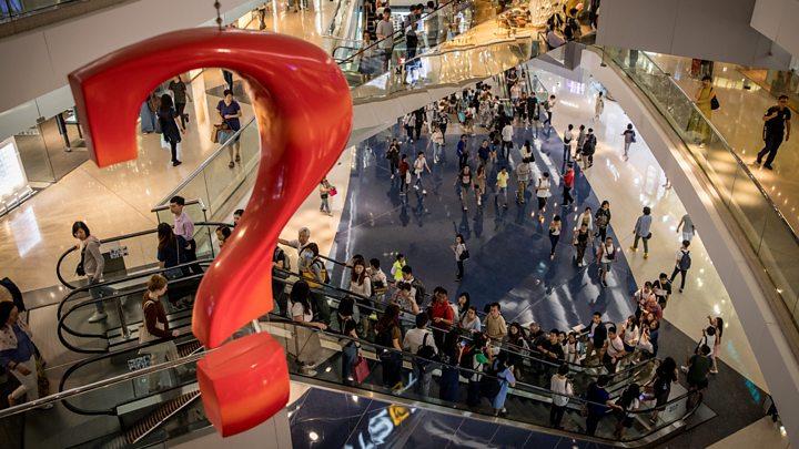 香港经济步入衰退:专家称抗议持续影响不只这样