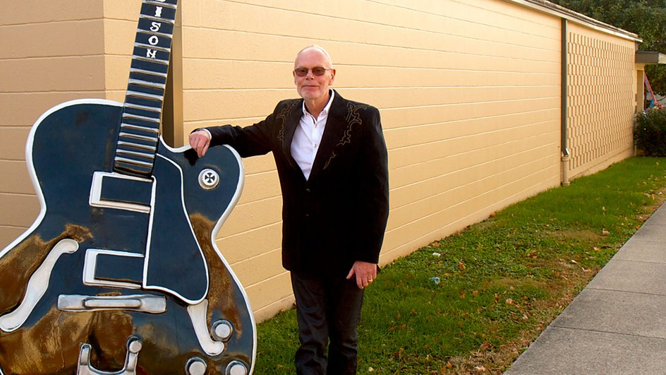 Bob Harris and a big country guitar. Image: BBC