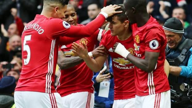 Manchester United Hajar Chelsea 2-0