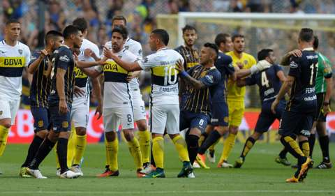 Violent scenes at Boca Juniors v Rosario Central