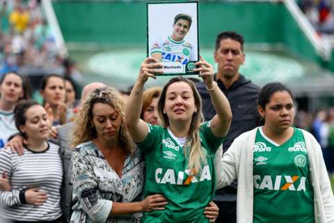 Relatives pay tribute to victims of the Chapecoense plane crash