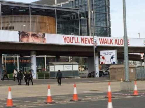 Jurgen Klopp and YNWA banner adorn Wembley Way. Will @LFC win the League cup today ? #LFC #YNWA #bbcfootball