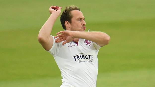 Josh Davey: Somerset bowler extends contract until 2023 thumbnail
