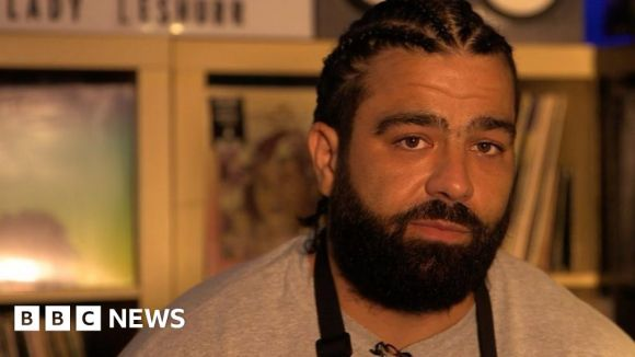 Online rapping challenge to fight knife crime - BBC News