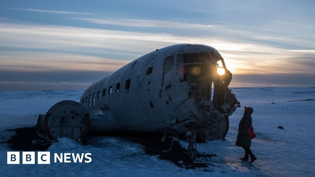 Chinese tourists died in 1973 in a plane crash in Iceland