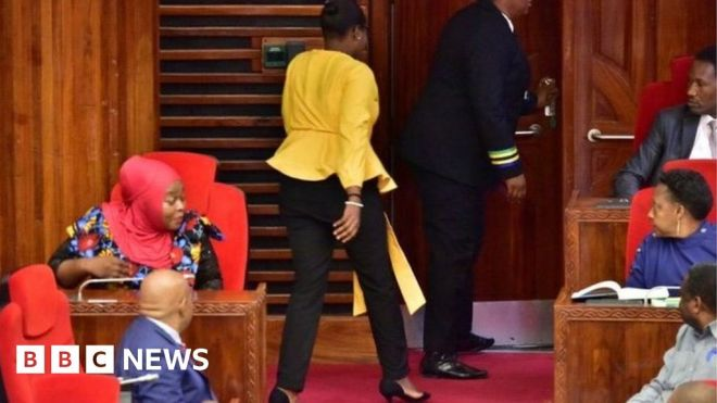 Tanzanian MPs demand apology for 'tight' trousers incident #world #BBC_News
