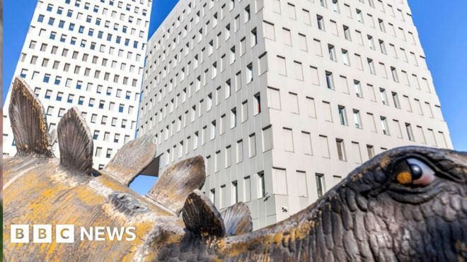 Body of missing man found in Spanish dinosaur statue #world #BBC_News