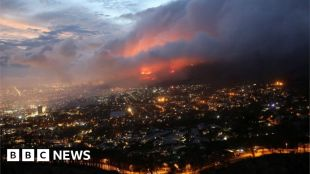 Table Mountain fire: Residents evacuated in Cape Town suburb #world #BBC_News