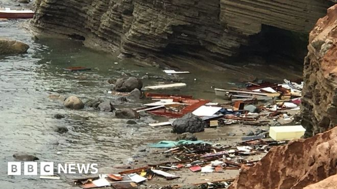 Suspected migrant boat breaks up off San Diego, killing three #world #BBC_News