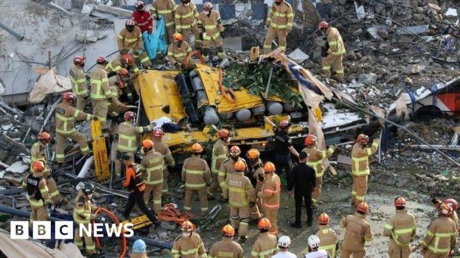 South Korea: Nine die as building collapses on to bus in Gwangju #world #BBC_News