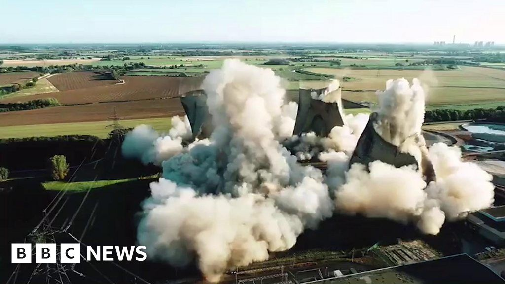 , Eggborough Power Station's remaining towers demolished, The Evepost BBC News