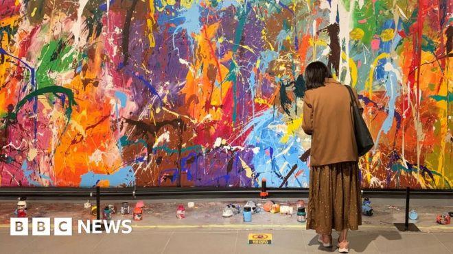 Graffiti art defaced by spectators at South Korea gallery #world #BBC_News
