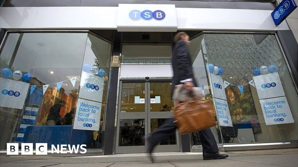 TSB opens the IT center to guide digital banking