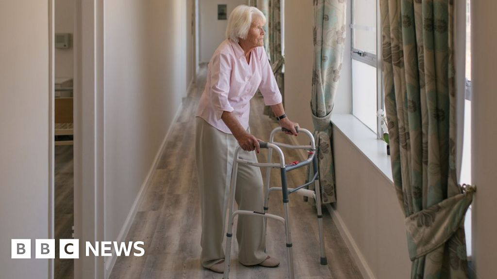 Coronavirus: What guidance did care homes get from the government?