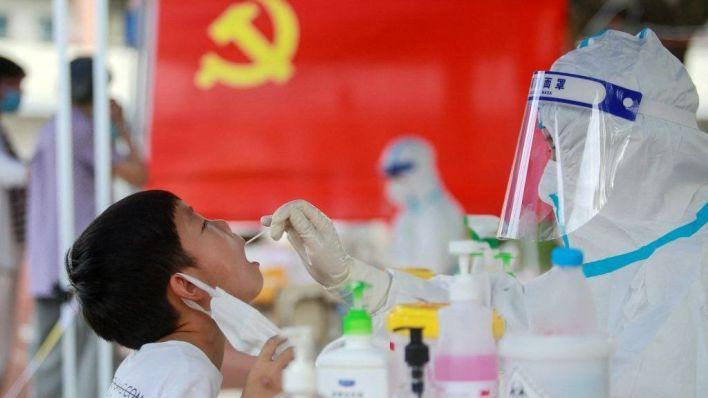 china: how delta threatens a prized zero covid strategy - bbc news
