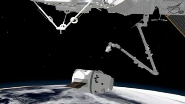 How SpaceX capsule will dock with ISS BBC News
